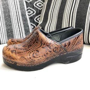 DANSKO Paisley Engraved Brown Leather Clogs Sz 37
